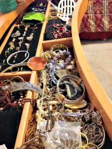 Own Jewelry Insurance? Tips For Traveling With Jewelry