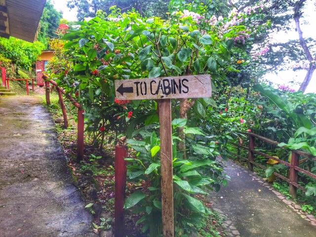 Los Gatuzos Cabin sign
