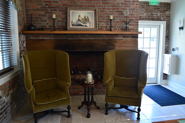 Inside Boonsboro Inn